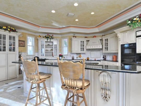 This is a kitchen before being remodeled by Diamond