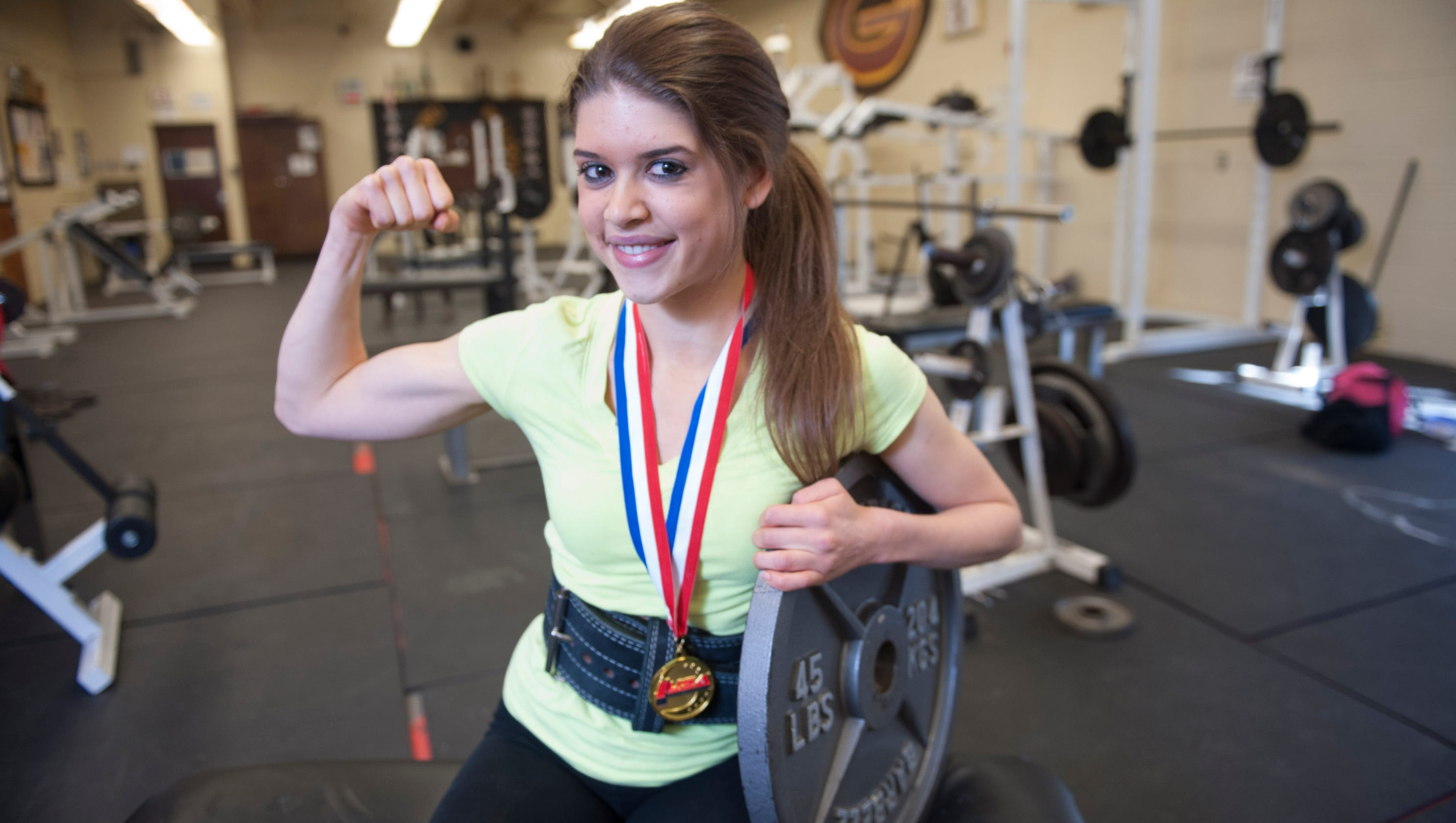 Glassboro teenage girl sets u s record in deadlift