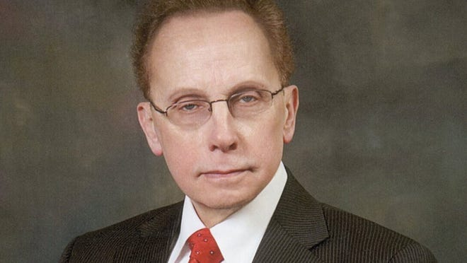 Warren Mayor James Fouts