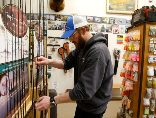 Four corners draws anglers from across the u s for Best fishing times texas