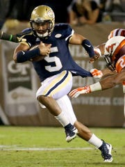 Justin Thomas (5) and Georgia Tech are looking to rebound