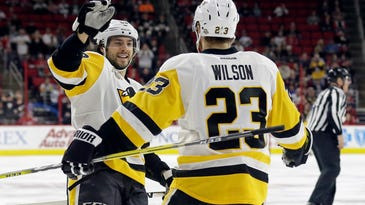 Crosby's power-play goal lifts Penguins past Canes 3-1