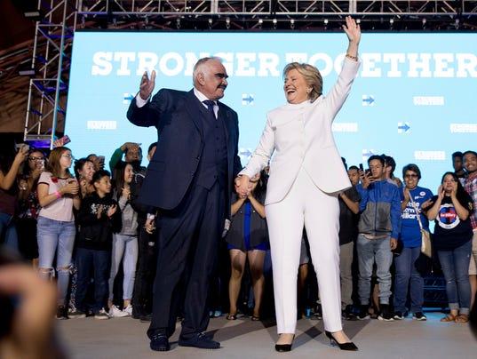 Hillary Clinton, Vicente Fernandez