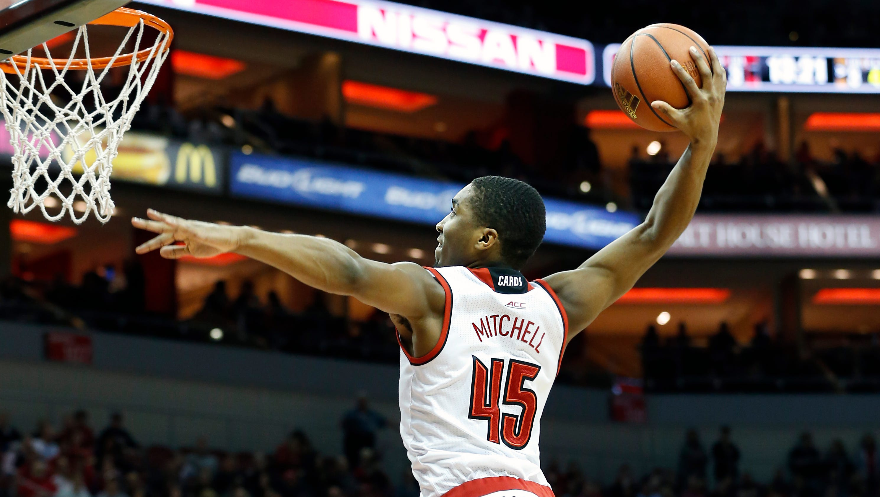 Sullivan | Pitino keeps players on effective edge