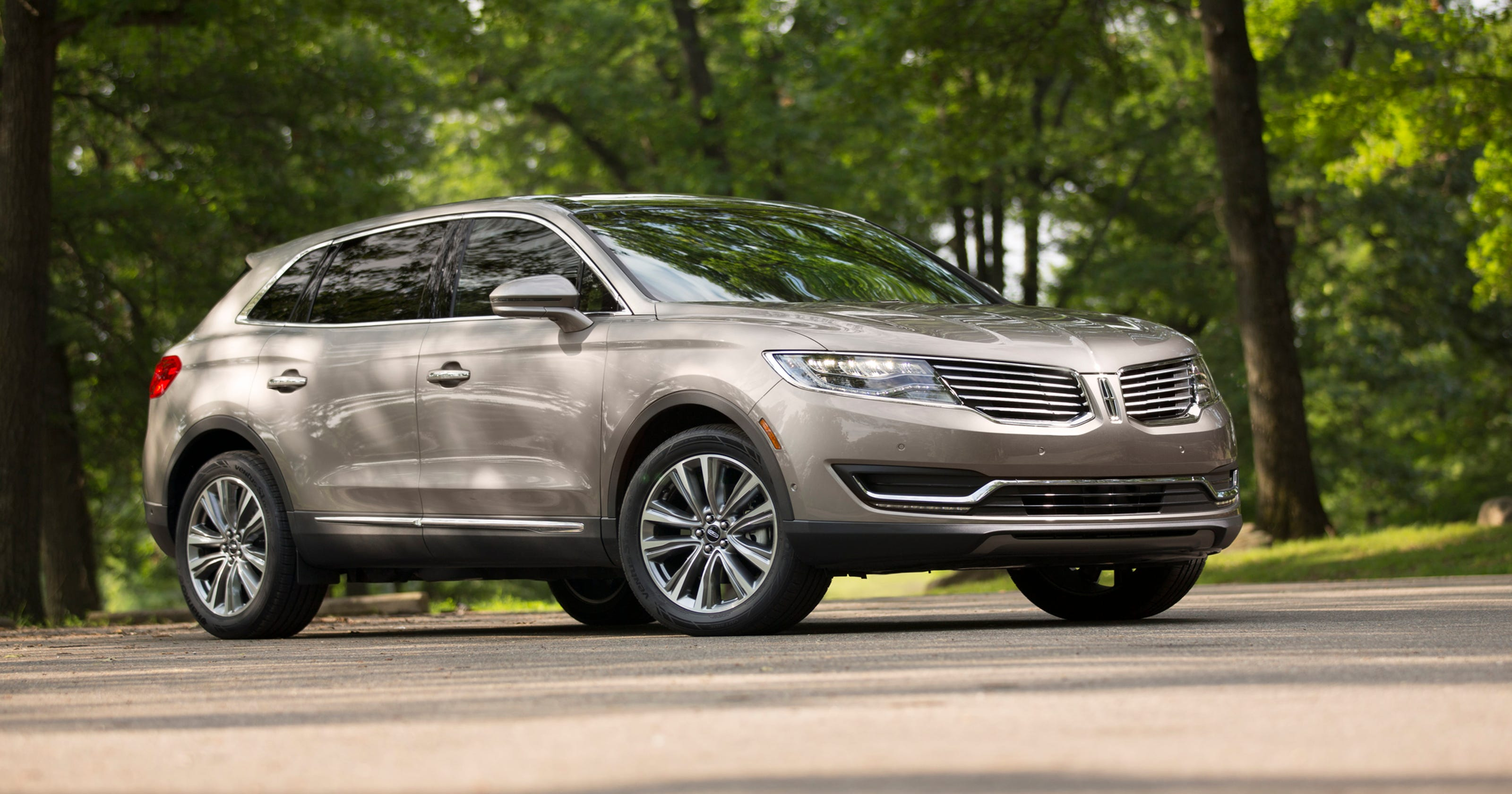 Lincoln Separates Itself From Ford In Deals Too