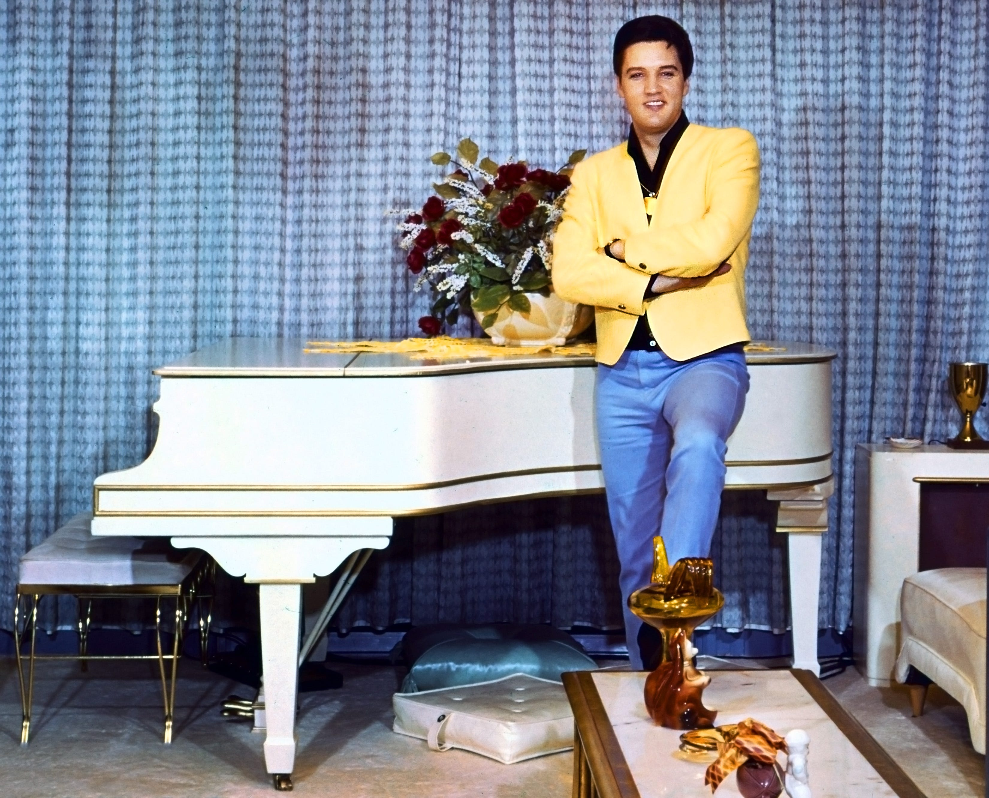 sc 1 st  The Commercial Appeal & You can buy Elvisu0027 white grand piano on eBay.