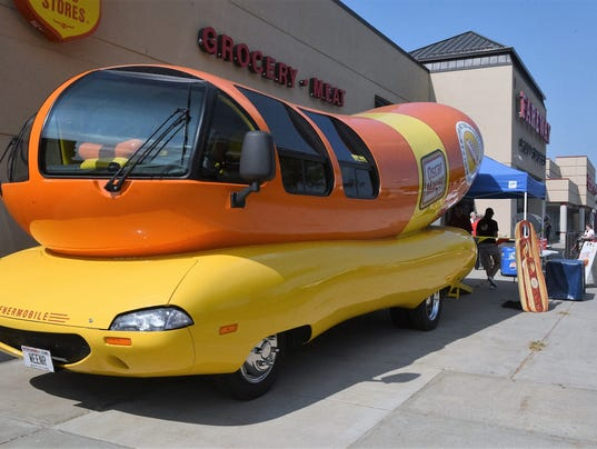 Beans And Franks Aka Beanie Weenie together with Oscar Mayers Changing Its Hot Dogs as well Doxies In Print 3 furthermore Jake Coco together with 479417001. on oscar mayer weenie