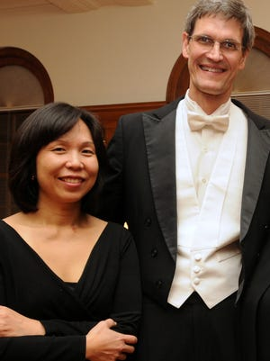 Sachi Murasugi (left) and Jeffrey Schoyen are part of the Allegheny Baroque Ensemble. The couple and harpsichordist Gwendolyn Toth will peform at Salisbury University on Feb. 24, 2016.