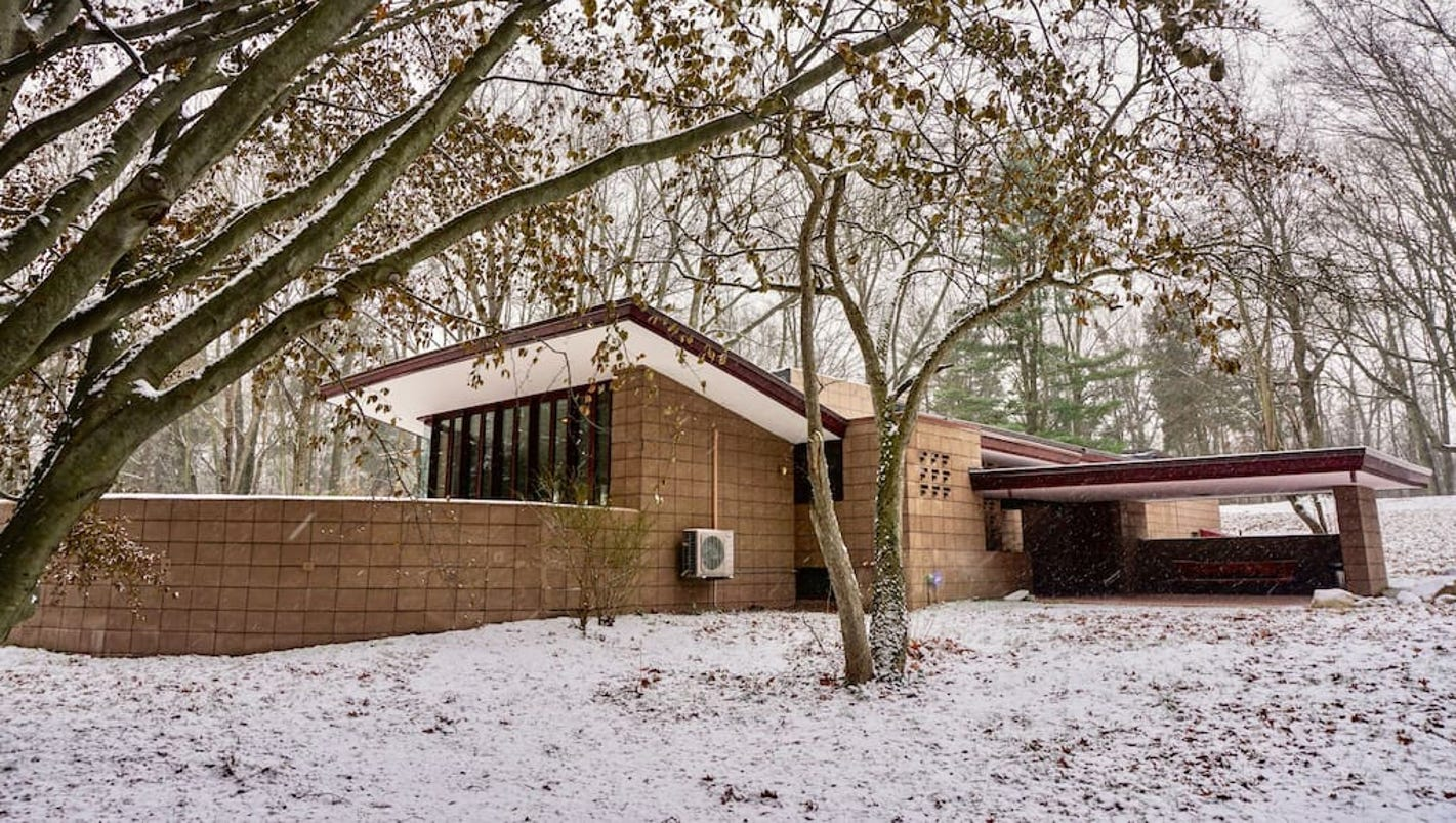 Two frank lloyd wright homes available to rent in mich for 3 4 houses in michigan