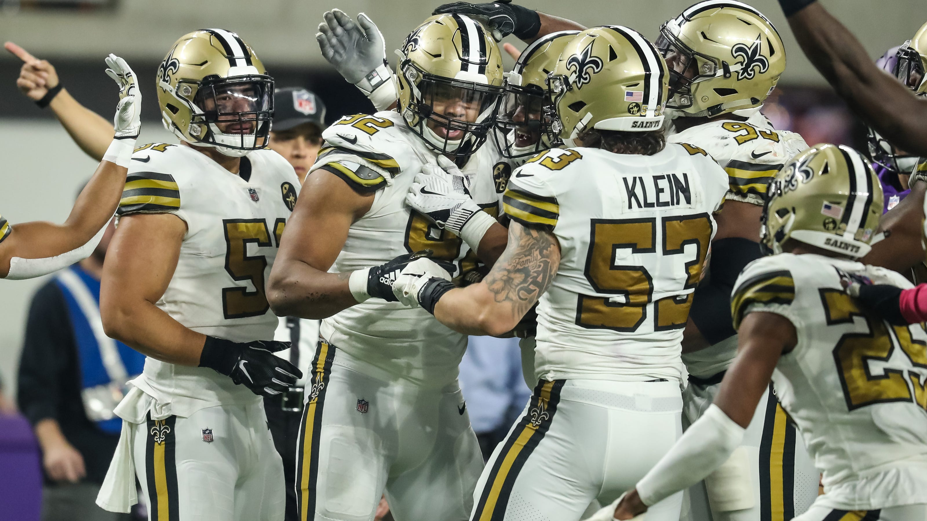 Nfl_-new-orleans-saints-at-minnesota-vikings-1