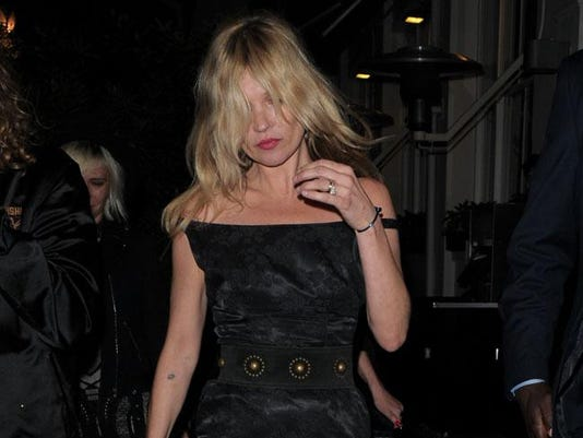 86ee52e2ed Kate Moss cancels Ibiza trip to be with family