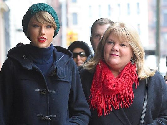Taylor Swift and Andrea Finlay