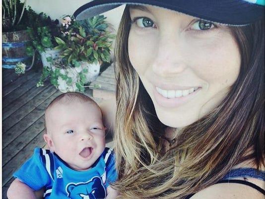 Jessica Biel and Silas (C) Instagram