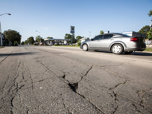 636405731587608739-FON-cracked-road-090817-dcr001.jpg
