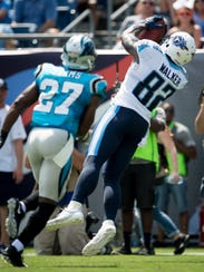 Tennessee Titans tight end Delanie Walker (82) makes
