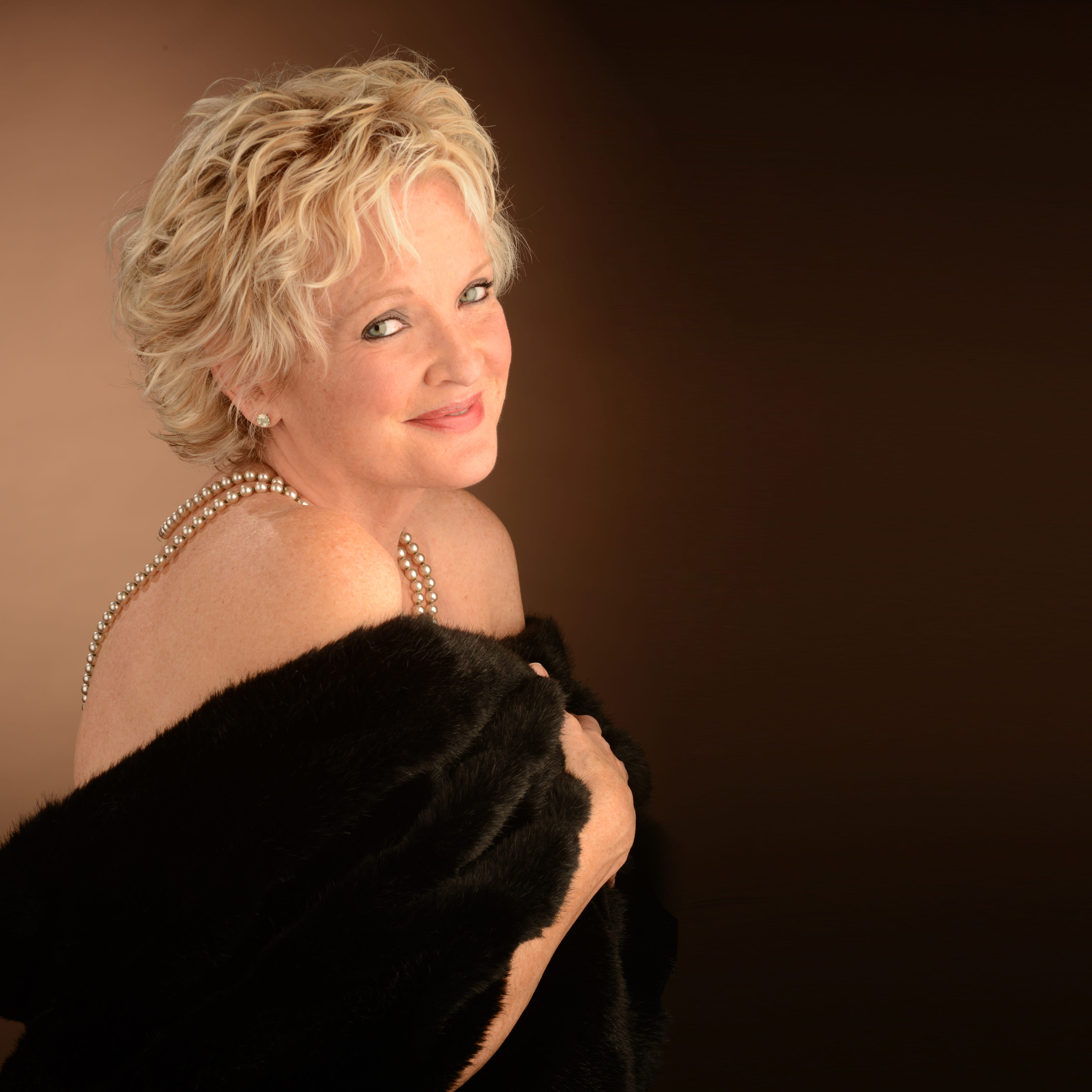 Discussion on this topic: Leah Ayres, christine-ebersole/