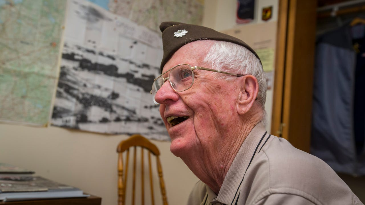 An Iowa Family Wants One Thing For Their WWII Veteran Patriarch A Birthday Card From You
