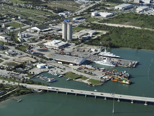 TCN 0922 PORT OF FORT PIERCE.JPG