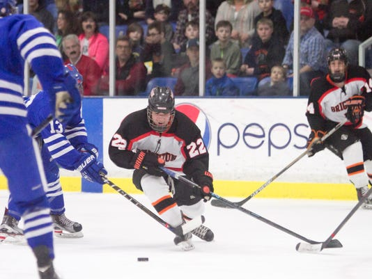 635934210537117444-BHS-CC-hockey-finals-05.jpg