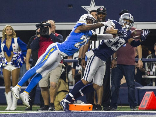 Chargers pick off sluggish Cowboys