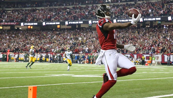 Atlanta Falcons wide receiver Julio Jones (11) scores a touchdown against the Green Bay Packers during the third quarter in the 2017 NFC Championship Game at the Georgia Dome.