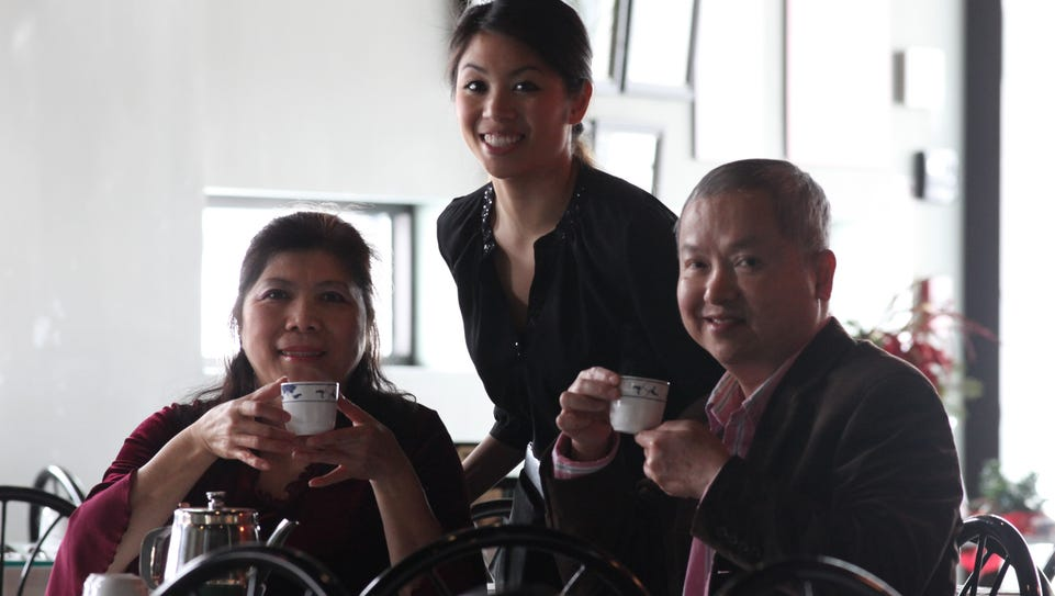 Jessica Yuan with her mother and father, Lillian Yuan