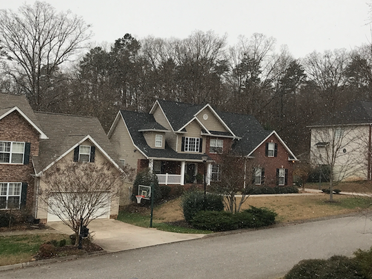 Snowfall in West Knoxville on Friday, Dec. 8, 2017