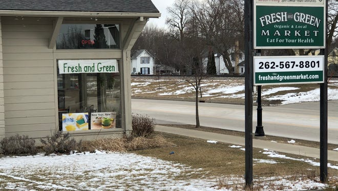 Fresh and Green Market in Oconomowoc will close after more than eight years in business.