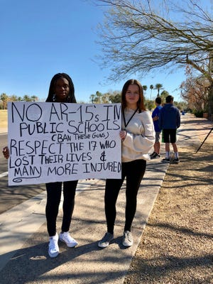 Inglewood Middle School students in Scottsdale protest off-campus on Feb. 27, 2018, in the wake of the shooting at Marjory Stoneman Douglas High School in Parkland, Florida, on Feb. 14, 2018.