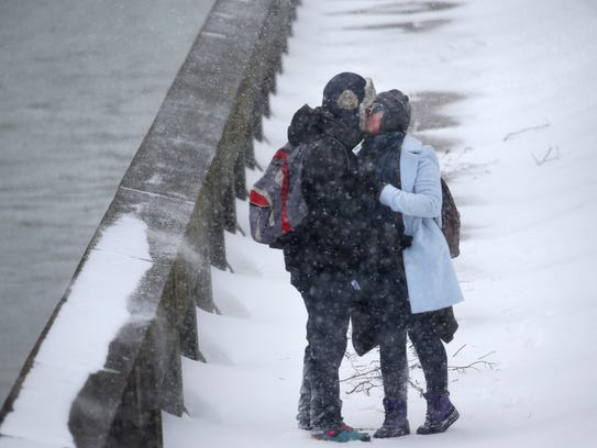 Florida freaks out over snow and cold while Northeast laughs