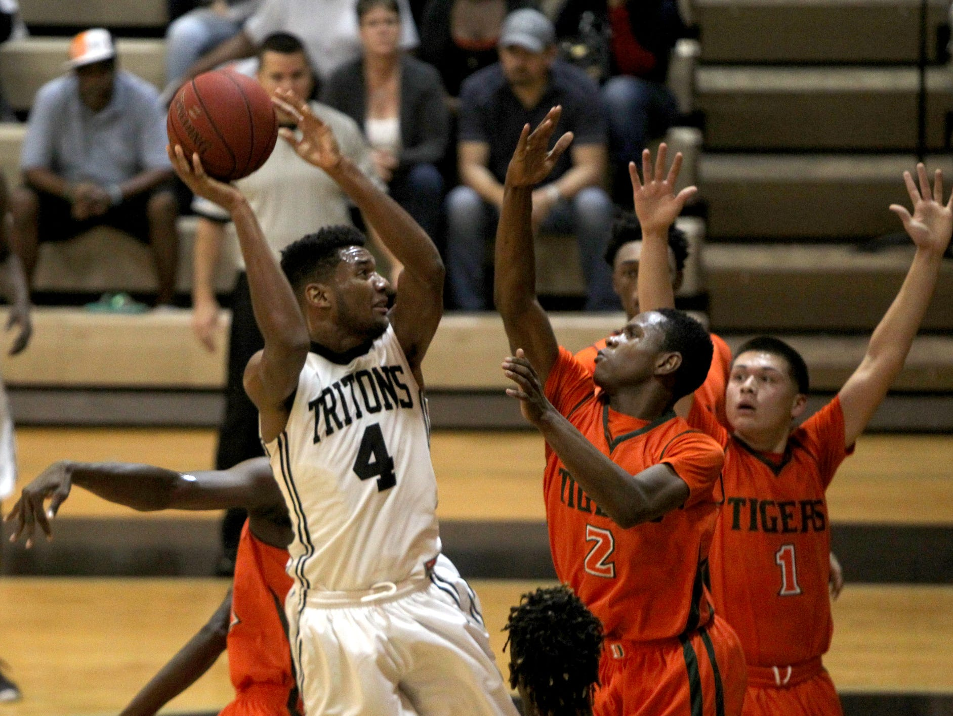 Sophomore Jahmel Myers and the Mariner boys basketball team host Tampa Jesuit Friday in a regional final.