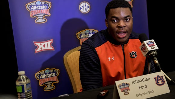 Johnathan Ford during Auburn's football defensive players