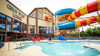 There's a brand new outdoor pool at Great Wolf Lodge, one that has plenty of room for sunbathing.