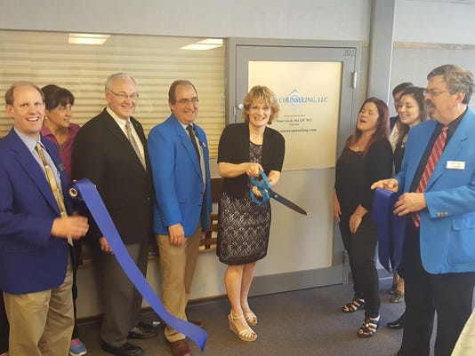 Novo Counseling Ribbon Cutting