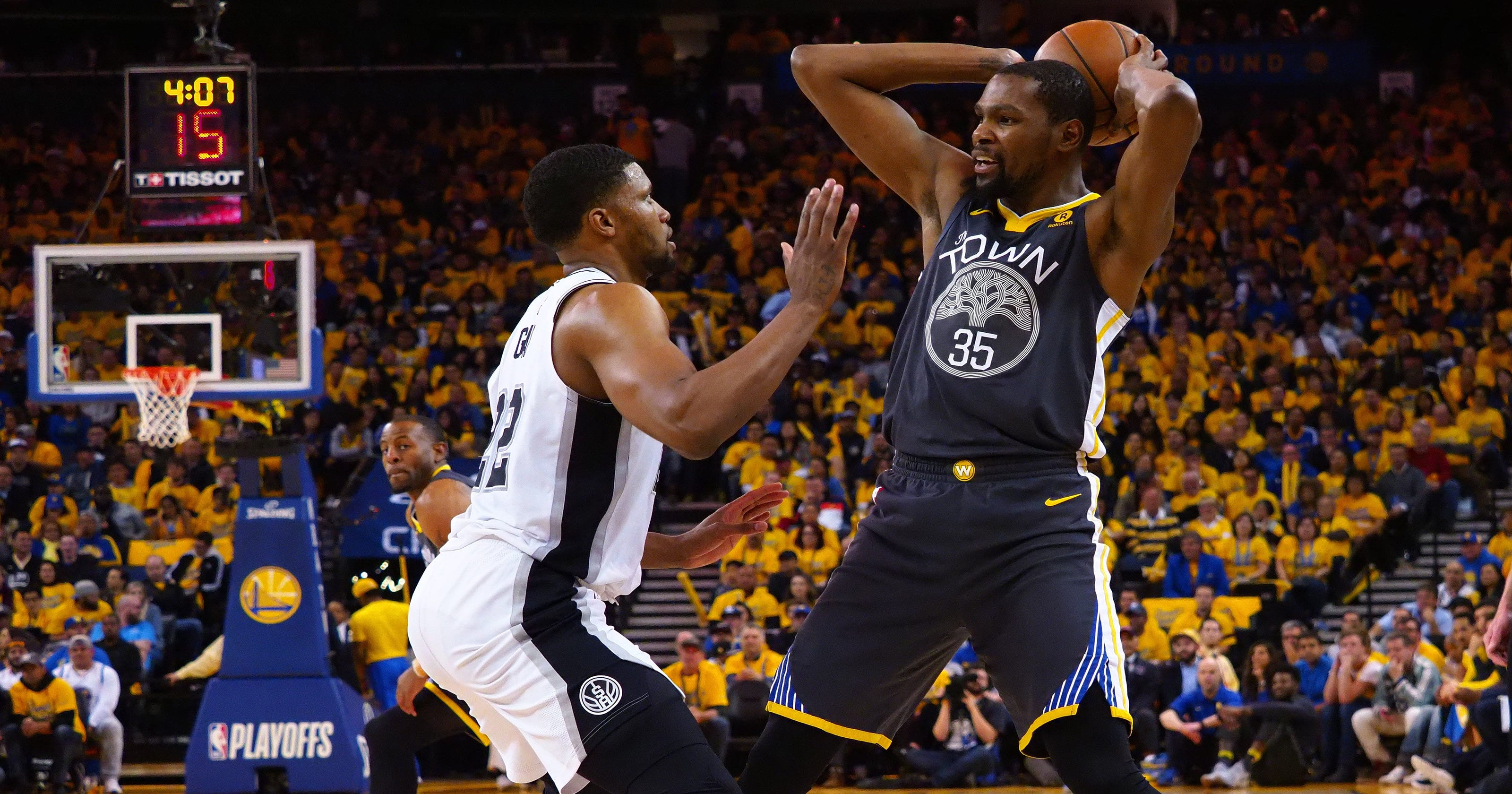 a7ea4db0d8d Warriors  bury Spurs under flood of three-pointers in Game 2