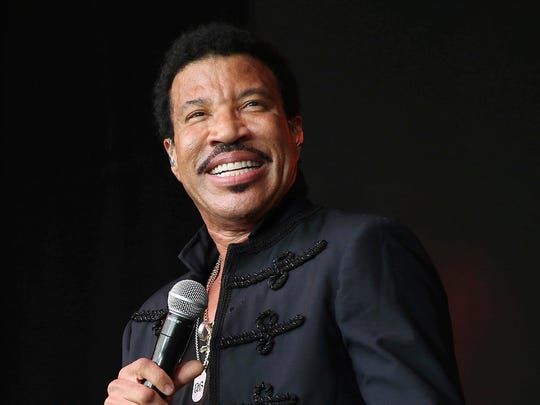 Lionel Richie is 'Easy' unless he's 'Dancing on the