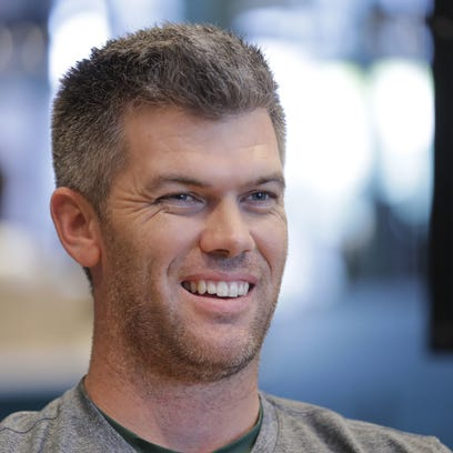 Mason Crosby shows off archery skills for CBS special 'MVP: Most Valuable Performer'