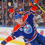 Edmonton Oilers' Connor McDavid takes scoring lead back from Sidney Crosby