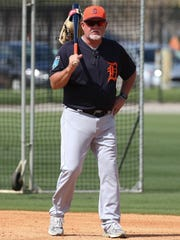 Detroit Tigers manager Ron Gardenhire watches workouts