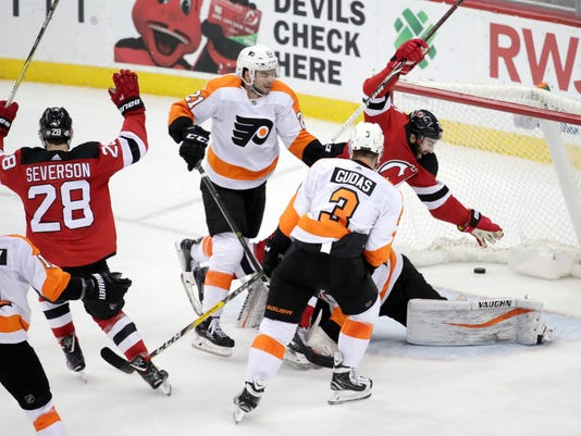 low priced 8edd6 48b60 Hischier's late goal lifts Devils over Flyers 4-3