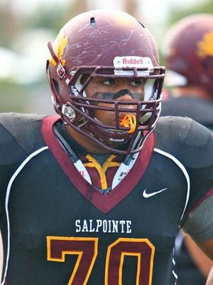 A family spent Thanksgiving Day grateful for the heroic efforts of Tucson Salpointe Catholic junior defensive lineman Justin Holt being there to help them in their time of need.