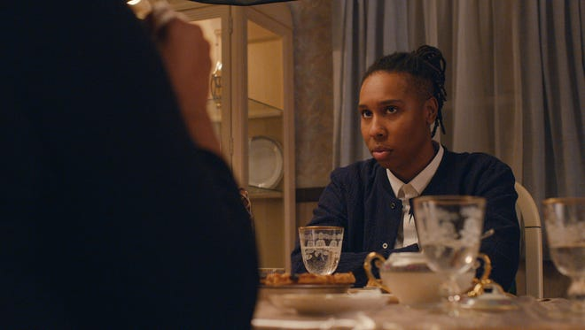 Denise (Lena Waithe) faces her disapproving mother when she brings a girlfriend home for Thanksgiving.