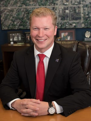 Manitowoc Mayor Justin Nickels