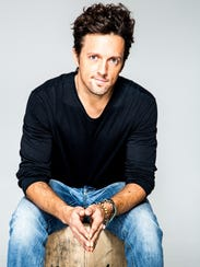Singer-songwriter Jason Mraz will bring his folk-pop sound to Knoxville with a solo acoustic show March 9 at the Tennessee Theatre.