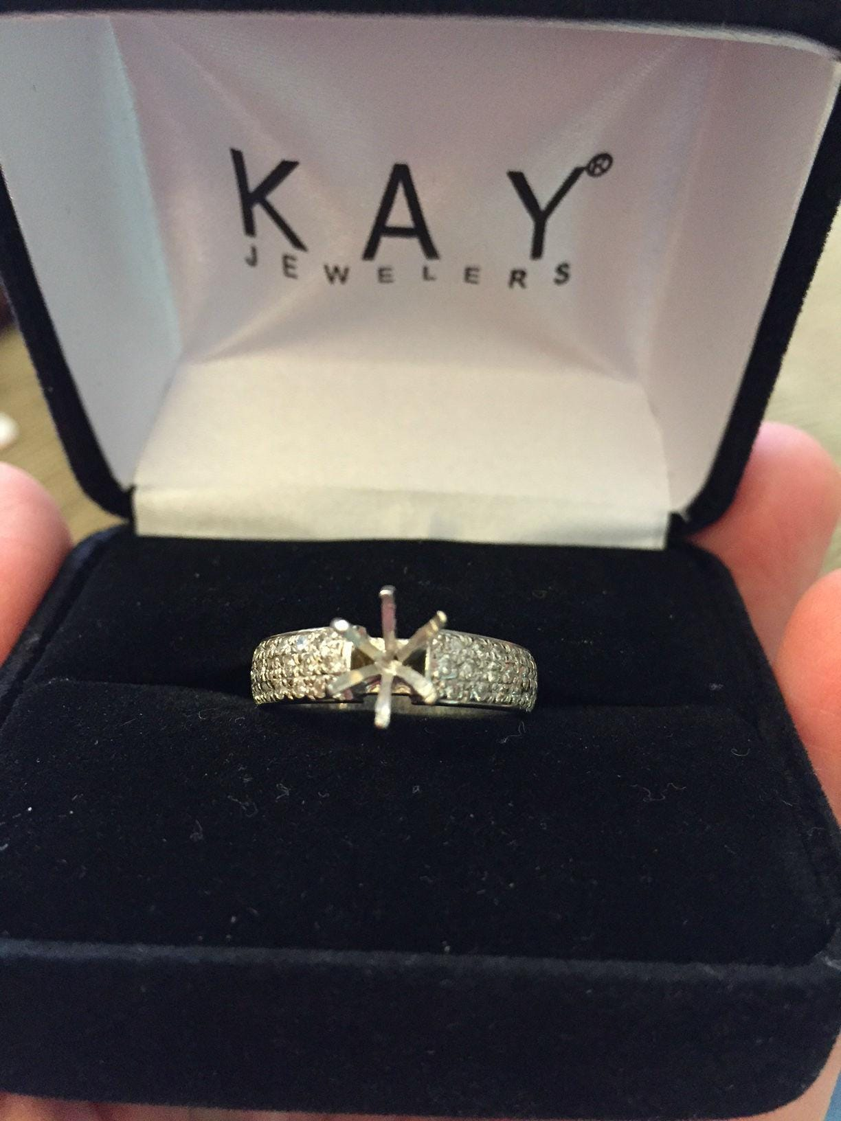 DeWitt woman says Kay Jewelers lost her 8000 diamond