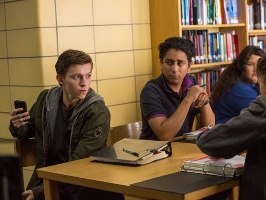 Peter (Tom Holland, left) and Flash (Tony Revolori)