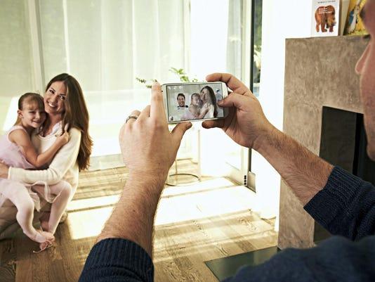 Samsung Galaxy - Lifestyle - 2.jpg