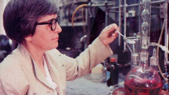 Stephanie Kwolek at work in 1967 in the DuPont Co. Pioneering Research Lab at the Experimental Station, preparing a polymerization experiment.
