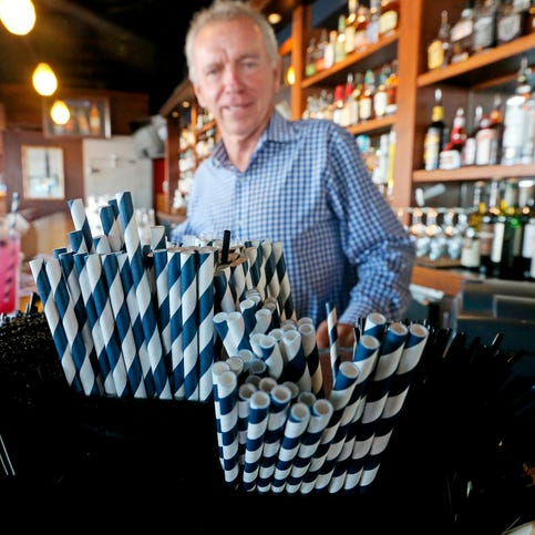 Seattle bans plastic straws, utensils at restaurants, bars