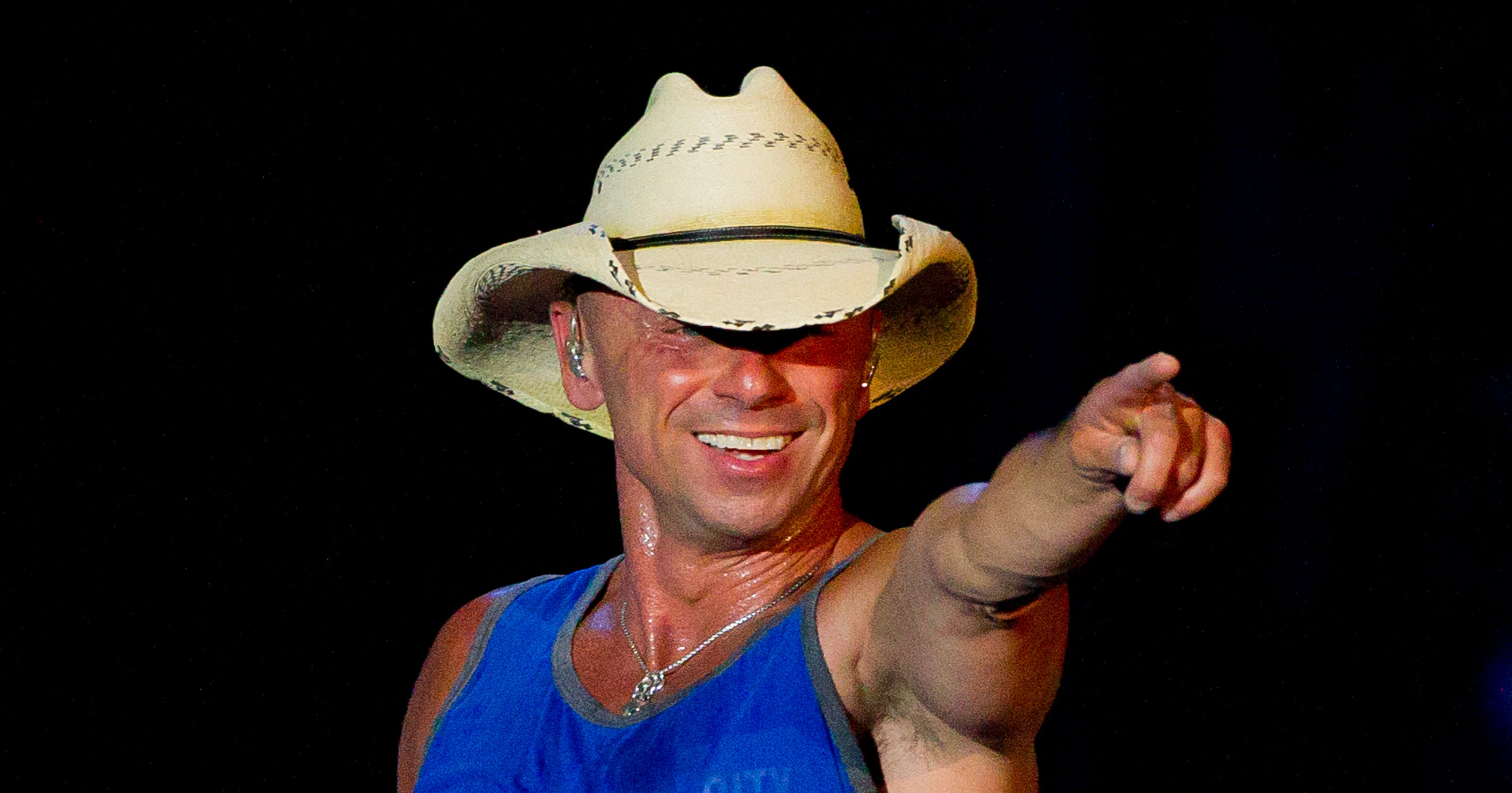 Kenny Chesney celebrates the No Shoes Nation lifestyle at Chase Field